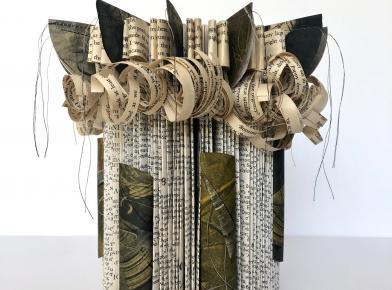 Anna Mavromatis demonstrates paper folds & constructions